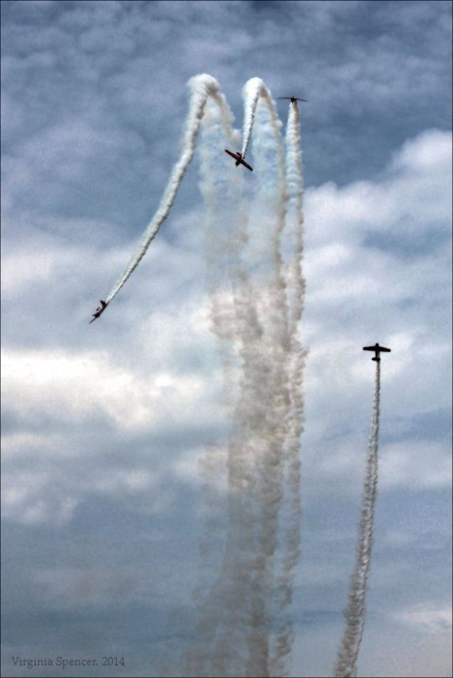 plane-flying-airshow-Quad Cities