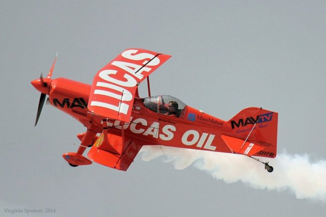 plane-orange-airshow-Quad Cities