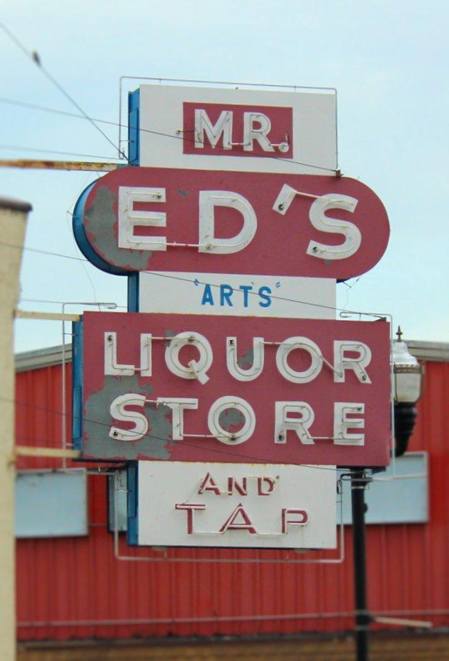sign_liquor_store